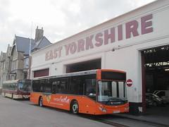 East Yorkshire 395 BU16OYH 'Kitty' Anlaby Rd Depot, Hull (1280x960) (dearingbuspix) Tags: kitty 395 eastyorkshire eyms humberfastcat bu16oyh