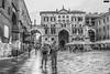 Verona (Italia) (Gelert, el eterno aprendiz) Tags: turista bw verona italia personas canon 7d ltytr1 ltytr2