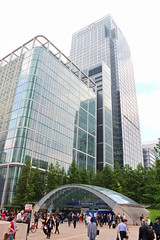 Canary Wharf London (Rory Llowarch) Tags: park uk greatbritain trees summer england people tree green london water grass sunshine rain gardens architecture clouds work buildings shopping outside workers poplar commerce unitedkingdom outdoor working parks sunny commute bankofamerica shops docklands fountains metlife canarywharf kpmg statestreet hsbc citigroup banks reuters commuters banking barclays limehouse finance eastend eastlondon rbc canadasquare creditsuisse isleofdogs londonengland towerhamlets jpmorgan morganstanley ldn bussines moodys cliffordchance westindiadocks skadden fitchratings thomasreuters poplarlimehouse londonarchitecure