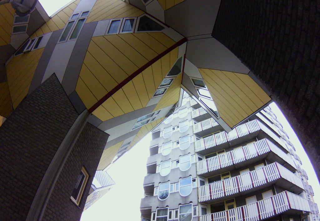 a fisheye view of Kubuswoningen, Rotterdam