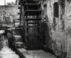 Water Mill In Dolo (Pino Snorr) Tags: italien bw italy white black mill water italian italia veneto ilovepizza dolo