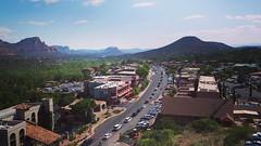 Downtown Sedona (Techjunkie00) Tags: street arizona mountain downtown traffic sedona daytime oldtown