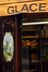 Paris-boulangerie-detail (Don Pedro de Carrion de los Condes !) Tags: donpedro d700 paris parijs france frankijk detail boulangerie bakker stokbrood glace larue noulin decoration toerisme baguette archief
