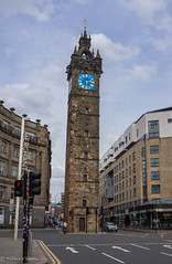 Tolbooth Steeple (Rourkeor) Tags: road city people tower cars clock zeiss 35mm t scotland unitedkingdom glasgow sony steeple gb fullframe ecosse sonnar carlzeiss rx1r sonyrx1r