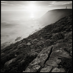 West Cape lighthouse (Tony Kearney) Tags: sunset lighthouse tmax100 swa stormyseas westcape innesnationalpark