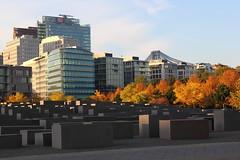 Berlin - Herbst (Kingsley's Ministry) Tags: berlin herbst potsdamerplatz sonycenter tiergarten bahntower holocaustdenkmal