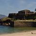 La plage et le château San Carlos, Finisterre, province de La Corogne, Galice, Espagne.