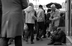 PA275801 (PAUL FILLEAU) Tags: street city people urban blackandwhite bw streetart paris france blackwhite nikon europe candid streetphotography urbanart d7000 nikond7000