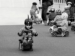 on the road again (tusuwe.groeber) Tags: street girls portrait people bw white black boys sport kids germany children fun deutschland cool child sony streetlife kinder racing driver sw weiss rennen schwarz mädchen spass ambition roadrunner professionals jungen niedersachsen lowersaxony rennfahrer spas bobbycar autorennen ehrgeiz profis rennsport strassenleben wahnbek sonyphotographing nex7