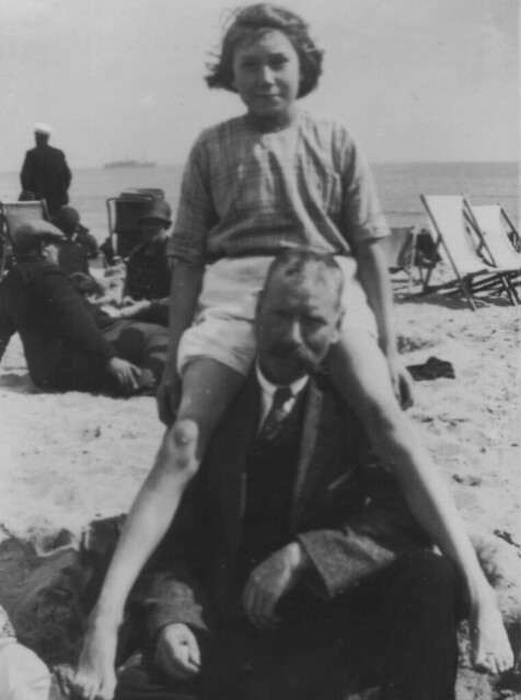 William_Abraham_Brimson_and_Winifred_Maud_Brimson_aged_9_1926
