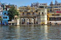 Udaipur IND - Lal Ghat Lake Pichola 01