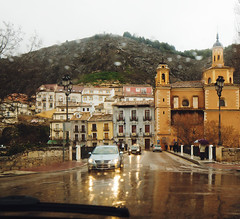 Human nature (Sator Arepo) Tags: car rain canon town drops spain driving raindrops 5d inside 24mm raining ts cuenca tse markii tiltshift