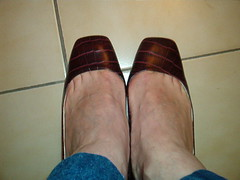 IM006479 (grandmacaon) Tags: buffalo pumps highheels hautstalons lowcutshoes toescleavage