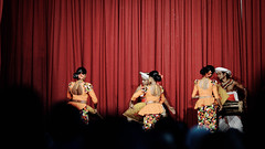 Kandy, heritage dancing show (b56n22) Tags: travel temple nikon asia asien buddha srilanka maha kandy raja 135mm buddhismus fernreise lankatilaka   1424  d810 viharaya    pilimathalawa      saddharmalankaraya panhalgala  dc135mmf2 saddharmathilake