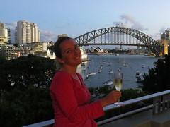 """Apéro face à la baie de Sydney <a style=""""margin-left:10px; font-size:0.8em;"""" href=""""http://www.flickr.com/photos/83080376@N03/16544439785/"""" target=""""_blank"""">@flickr</a>"""