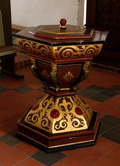 Stenlse, Sjlland, kirke, font (groenling) Tags: wood denmark tr carving dk font danmark woodcarving kirke sjlland stenlse dbefont trskrerarbejder