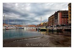 Le Port ciel gris. (armandbrignoli) Tags: nice port pointu barque ville eau mer bateau azur harbor boat sea city canon 5d2