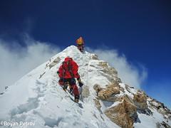 008-el primer en arribar Cim-Boyan Petrov (ferran_latorre) Tags: nepal summit alpinismo montaa makalu cumbre ferranlatorre cat14x8000 hanswenxl arjunvajpai boyanpetrov