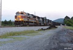 NS 1074 DLW Heritage Unit leads NS Train 153 in Tallapoosa, GA (RedneckRailfan610) Tags: railroad heritage ga georgia mixed birmingham god ns district norfolk east southern ge freight dlw emd sd402 tallapoosa sd70ace es40dc sd60e ns1074