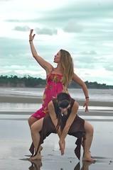 Dance in Zion (Mediquillo) Tags: colombia dancing danza playa baile pacifico bailarina