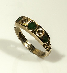 A lady's 9ct gold ring set with emeralds and diamonds (newpeter) Tags: silver gold brooch ring diamond jewellery bracelet cameo bangle ruby buckle sapphire