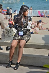 DSE_4627 (ze06) Tags: street woman sexy girl festival glamour dress cannes candid gorgeous minidress croisette