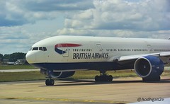 British Airways | G-VIIP | Boeing 777-236(ER) (aodhgn_tuohy) Tags: england london airplane airport ramp britain aircraft aviation jet british passenger boeing airways gatwick taxiing b772 ge90 777236er