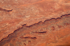 2016_06_02_lax-ewr_484 (dsearls) Tags: river utah flying desert aviation united country canyon aerial erosion rivers geology ual canyons arid aerialphotography jurassic stratigraphy unitedairlines windowseat windowshot weathering 20160602