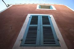 Blick nach oben  @  Cabris (sunnybille) Tags: windows france canon frankreich fenster architektur perspektive fassade 2015 blicknachoben cabris