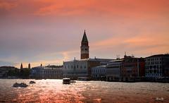 Venecia (Garciamartn) Tags: lago atardecer arquitectura agua europa italia arte nino venecia crepsculo veneto garciamartn