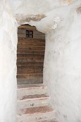 Castle door shaped to fit rock face (quinet) Tags: door alps castle austria tirol sterreich porte schloss chteau tr tyrol hohenwerfen autriche burg falconry falknerei 2014 tyrolia fauconnerie