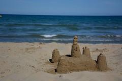 Arquitectura efmera (Cristina Campos Fraile) Tags: sea summer espaa naturaleza game castle beach nature architecture spain arquitectura mediterraneo view outdoor arena verano castillo nikond5200