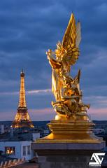 L'harmonie & Tour Eiffel IV (A.G. Photographe) Tags: paris france french nikon eiffeltower toureiffel ag bluehour capitale nikkor franais parisian anto euorpe xiii opragarnier parisien d810 antoxiii 70200vrii agphotographe