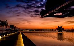 Amanhecer no Museu do Amanh - Rio de Janeiro (mariohowat) Tags: brazil brasil riodejaneiro sunrise natureza alvorada amanhecer noturnas longaexposio nascerdosol praamau museudoamanh novapraamau