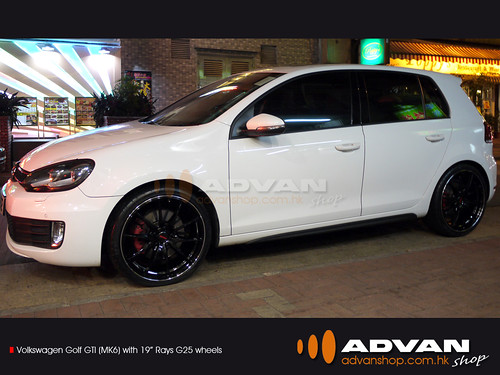 "VolksWagen Golf GTI (MK6) with 19"" Rays G25 wheels"