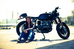 carry (habaneros) Tags: urban girl beautiful model bmw boxer custom 1980 r80 habaneros r100 elenarosa