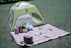 What a day for a picnic! (MIKI Yoshihito. (#mikiyoshihito)) Tags: japan sapporo picnic hokkaido coleman ピクニック 平岡公園