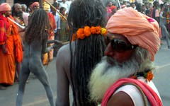 Baba Pop Star, Khumb Mela (Vincentdevincennes) Tags: portrait people orange india colors streetlife procession hinduism baba sadhu guru popstar haridwar khumbmela uttarakhand