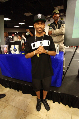 Big Sean cd signing pics