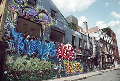 Piece of Montreal #3 (Vinzlott) Tags: street city wall word montreal tag dessin peinture mansion graff avenue maison rue mur couleur ville indus saintecatherine trottoir batiment industriel