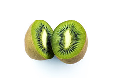 kiwi / 2 ... (David Kracht) Tags: light newzealand stilllife food white plant abstract david color macro verde green cooking nature kitchen frutas fruits vegetables up cake closeup fruit dave breakfast dessert cuisine salad succulent juicy yummy healthy berries dof zoom fuzzy market sweet veg