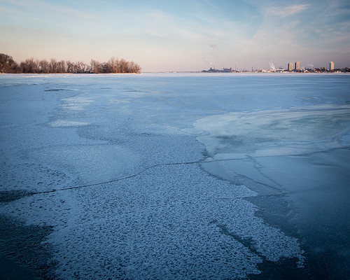 Hamilton Harbour - Frozen