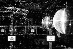 Disco balls (pukilin) Tags: amigos club 35mm de concert grain bolas grano discoballs nikond3100 espejosdiscolos invisiblesmadridnightnochepeoplerandom peoplenihgtlife