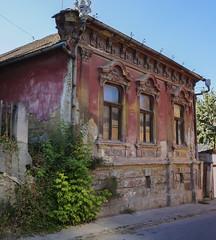 Magenta-colored baroque facade house, Sremski Karlovci (Marz88) Tags: sremskikarlovci baroquefacade baroquehouse magentahouse