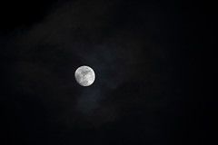cloudy moon (vimad97) Tags: sky moon night clouds canon stars evening is long nuvole luna exposition cielo stm notte sera buio lunga esposizione stelle luminosa 550d 55250