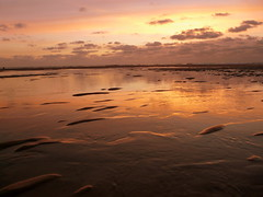 (Lucie Guinjard) Tags: ocean sunset cloud france beach nature wow panasonic lacanau dmcfz18