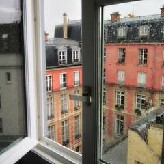Parigi, pioggia sui tetti del Marais (Valerio_D) Tags: paris france rain ledefrance pluie 1001nights marais pioggia francia parigi paoloconte ruby3 1001nightsmagiccity 2013estate