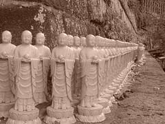 Hase-dera 長谷寺 (Shutter Chimp: Im back!) Tags: statue japan sepia kamakura 日本 kanagawa hase kama hasedera 長谷寺 鎌倉 神奈川 像 長谷 セピア色