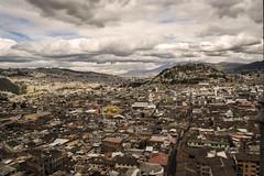 the soul of the world - Quito, Ecuador (Cuernavaca, Morelos Mexico) Tags: world city color quito ecuador nikon alma ciudad cielo soul nubes montaa casas aire mundo mitad techos panecillo d5300