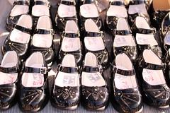 IMG_1683 (aurra_pics) Tags: feria zapatos ambulante charol
